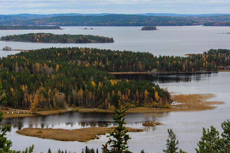 Oravivuori mountain trail can be reached very easily and is a great half day trip destination from us. It is a place of outstanding natural beauty, and there is a stunning view to Lake Päijänne from the tower on the top of the hill, all year round.